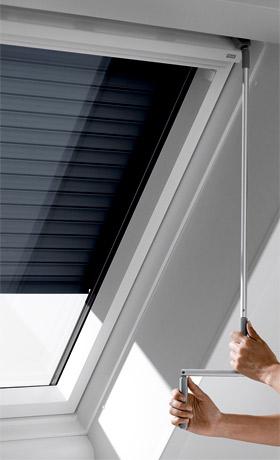 skylight manueller rolll den 78 118 7 11 dachmax dachfenster shop velux fakro roto kunststoff. Black Bedroom Furniture Sets. Home Design Ideas