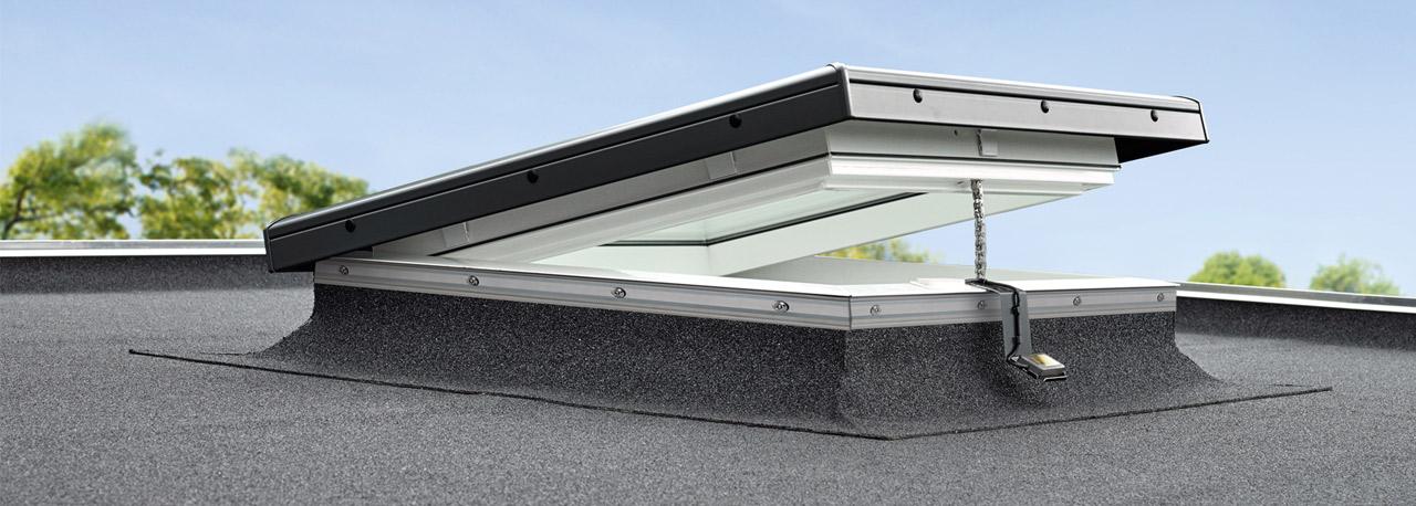 Flachdach fenster velux  Velux Flachdach-Fenster mit Flachglas CFP 0073 oder Integra CVP ...
