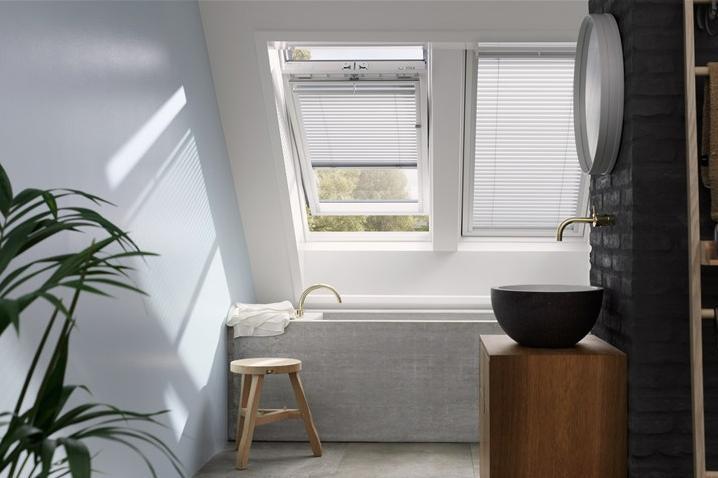 dachfenster velux ggu glu kunststoff schwing fenster dachmax dachfenster shop velux fakro roto. Black Bedroom Furniture Sets. Home Design Ideas