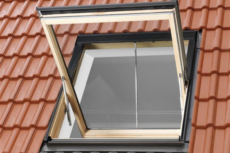 velux ggu sk08 006640 114x140 rauchabzugsfenster f r steild cher dachmax dachfenster shop. Black Bedroom Furniture Sets. Home Design Ideas